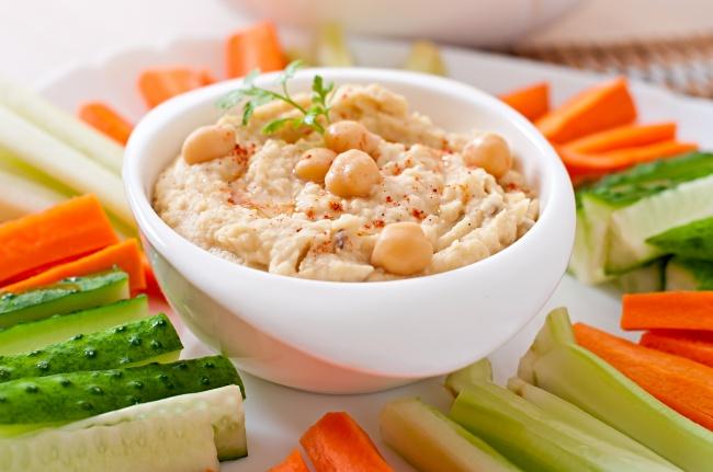 Овощные палочки с хумусом-правильное питание