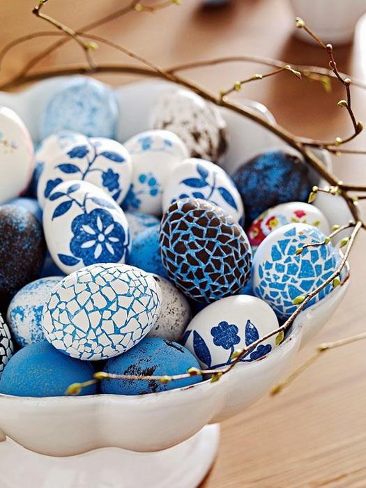 Праздничная тарелка-декор пасхальных яиц