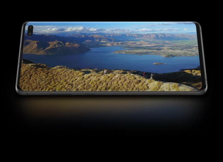 Samsung Galaxy S10+-иммерсивный экран
