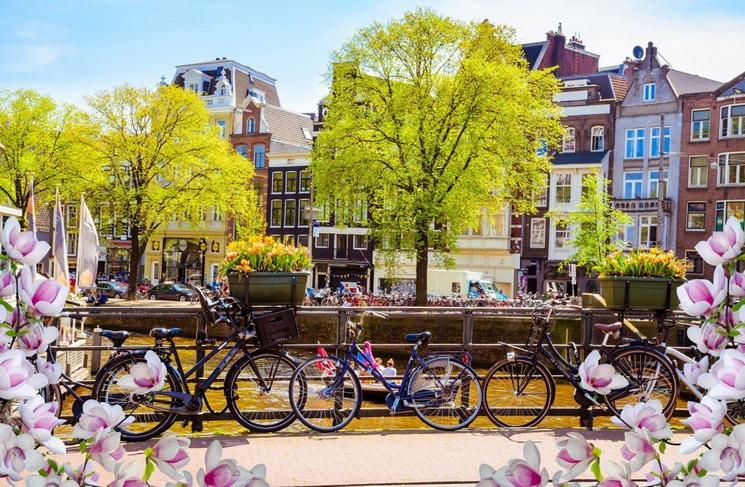 Весна-города