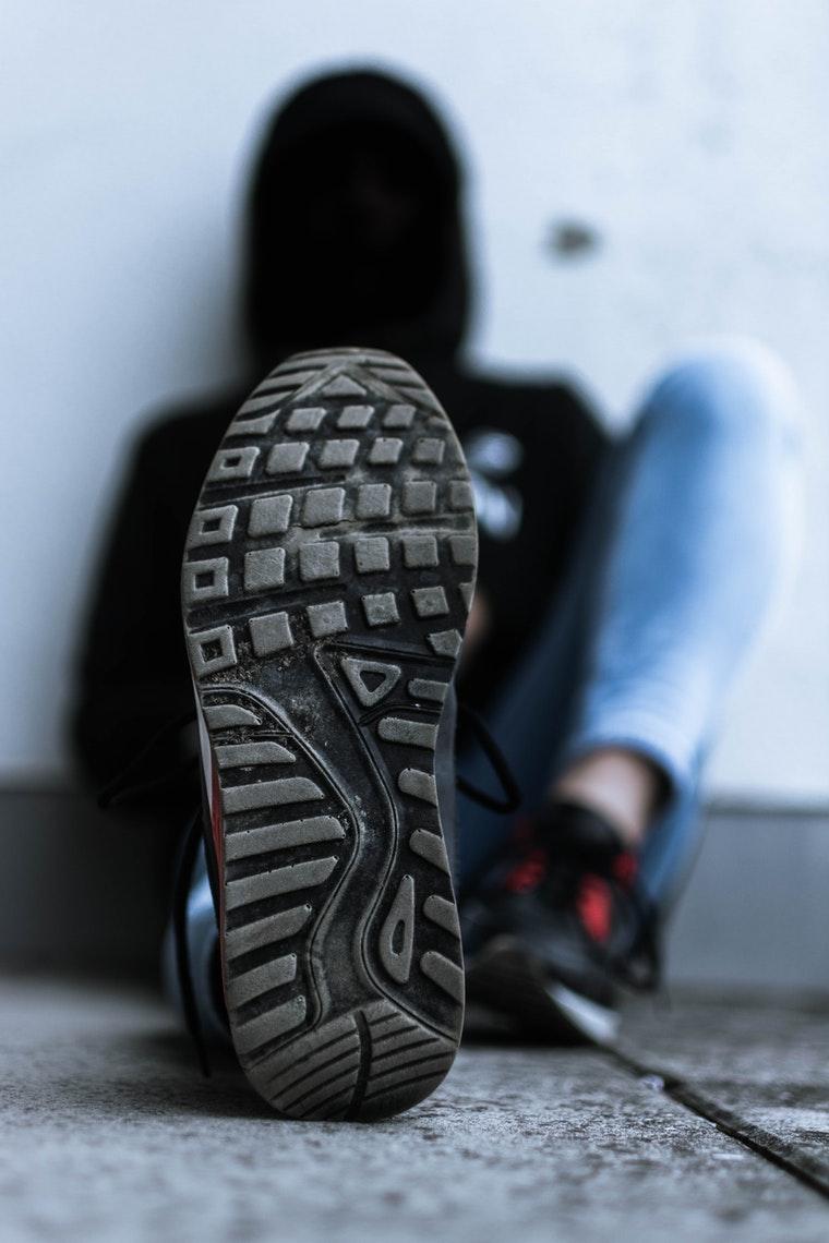 macro-shoe-sneakers-1625620