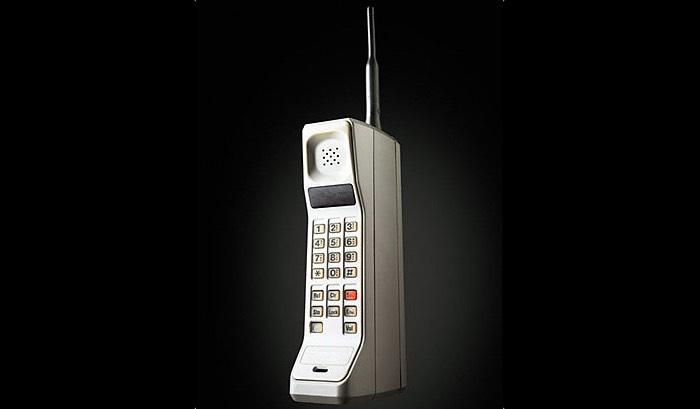 сегодня мобильному телефону 45 лет 3