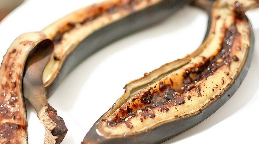 Бананы с шоколадом-в кожуре