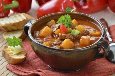 Рецепт картоплі з м'ясом в духовці