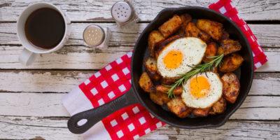 Страви з картоплі на сковороді