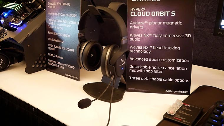 HyperX Cloud Orbit S на презентации 2019