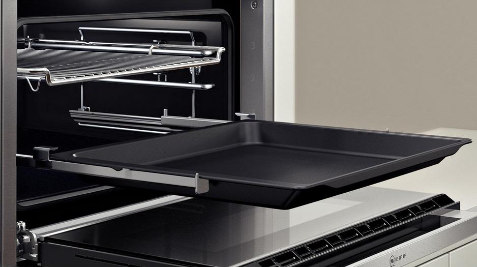 Как выбрать духовой шкаф - телескопические направляющие в духовке