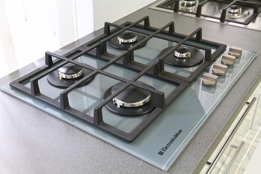 Как выбрать варочную поверхность - газовая поверхность из стекла