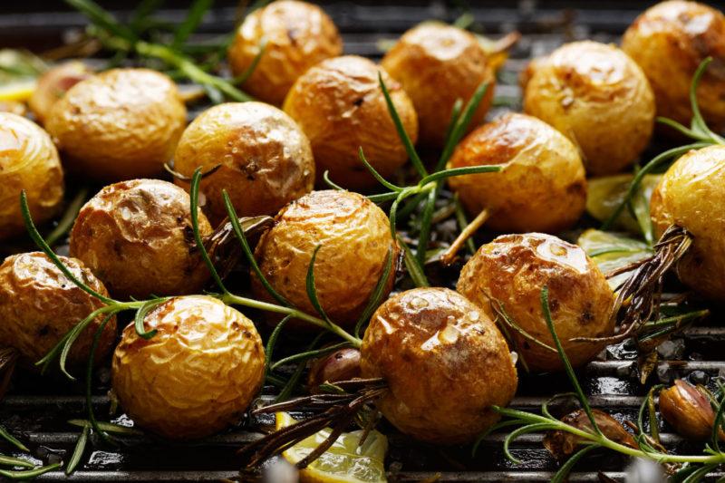 Картофель-беби-с травами