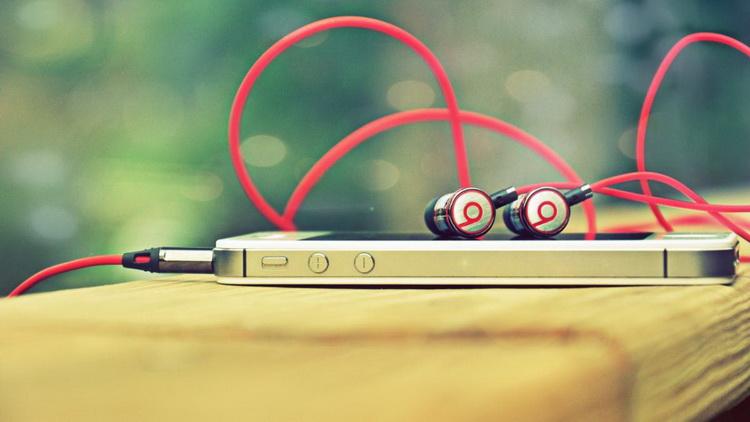 Наушника-музыка
