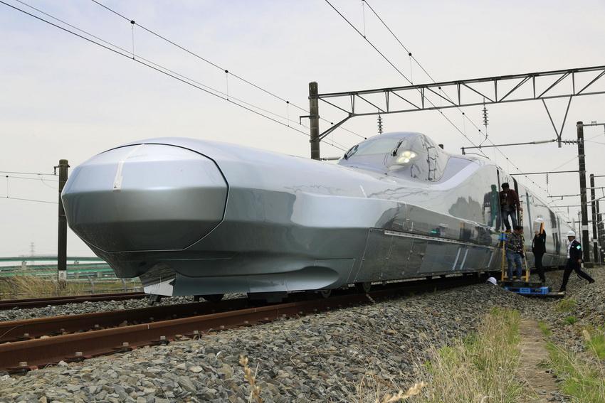 Самый быстрый поезд в мире-пассажирский