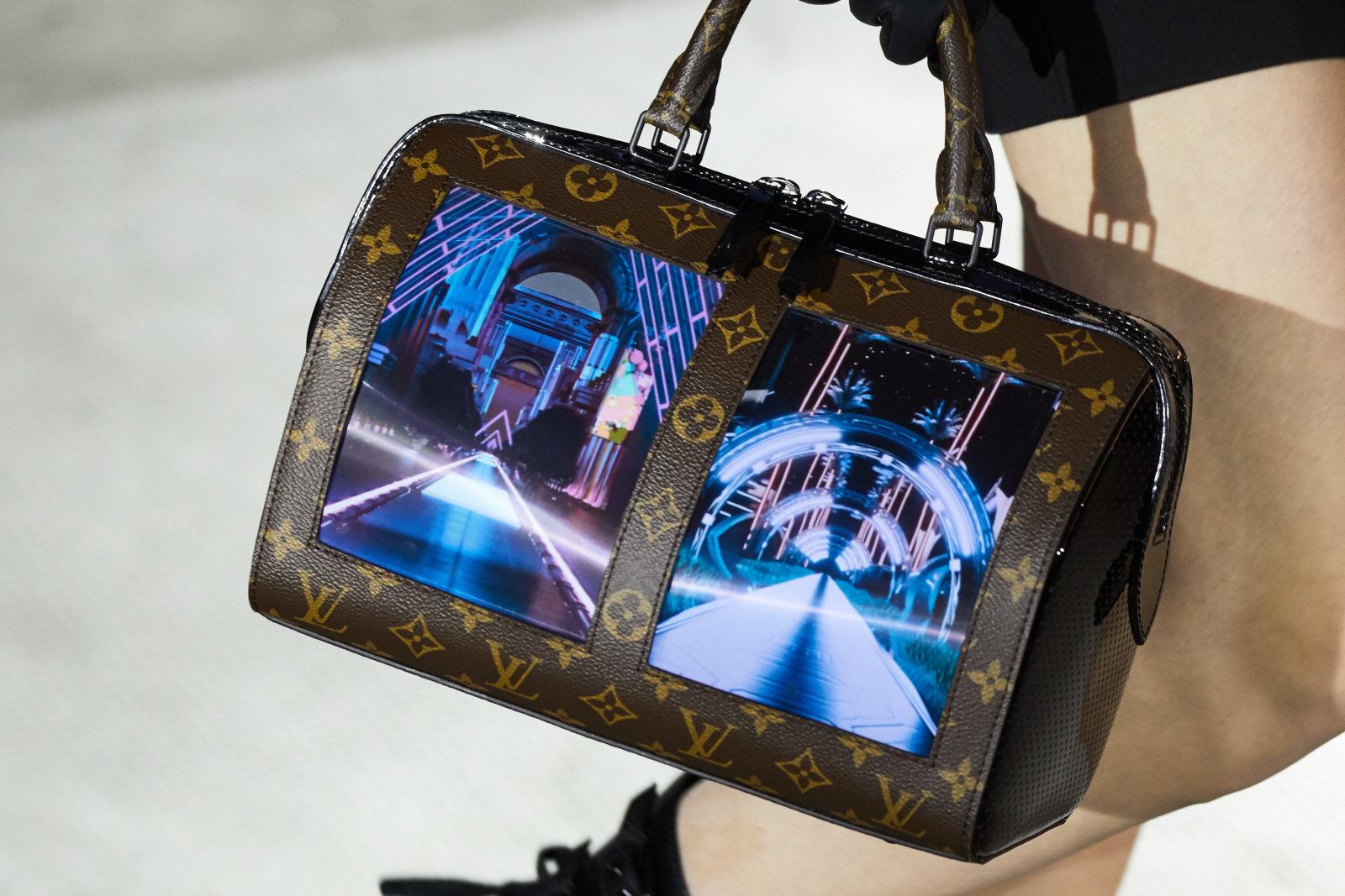 Сумки Louis Vuitton будут со встроенным экраном 2