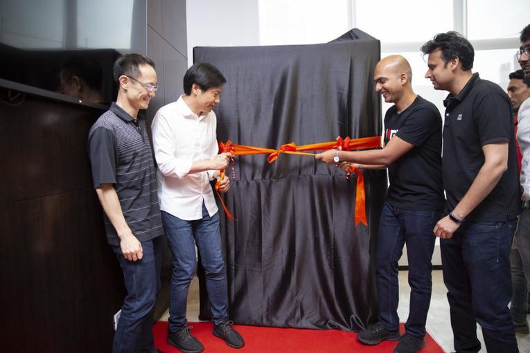 Xiaomi будет продавать смартфоны через автоматы 4