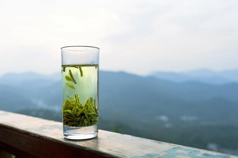 Зеленый чай-стакан