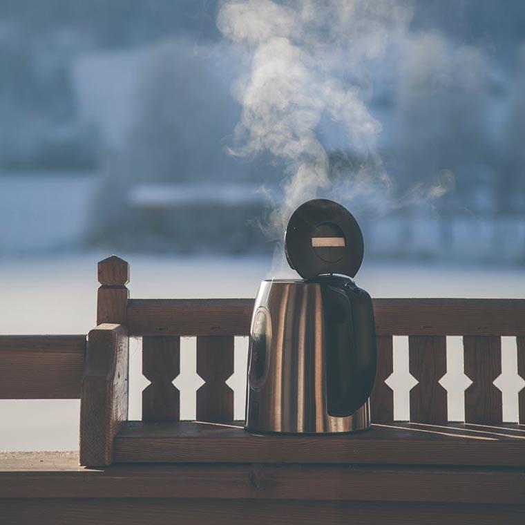 Горячий чай утром