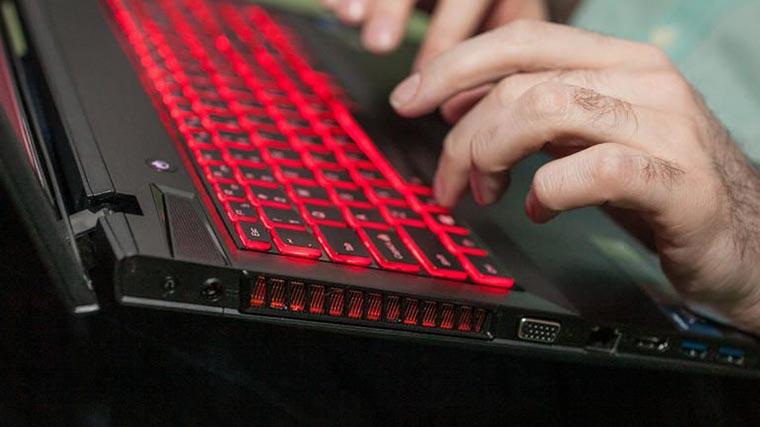 Клавиатура геймерского ноутбука