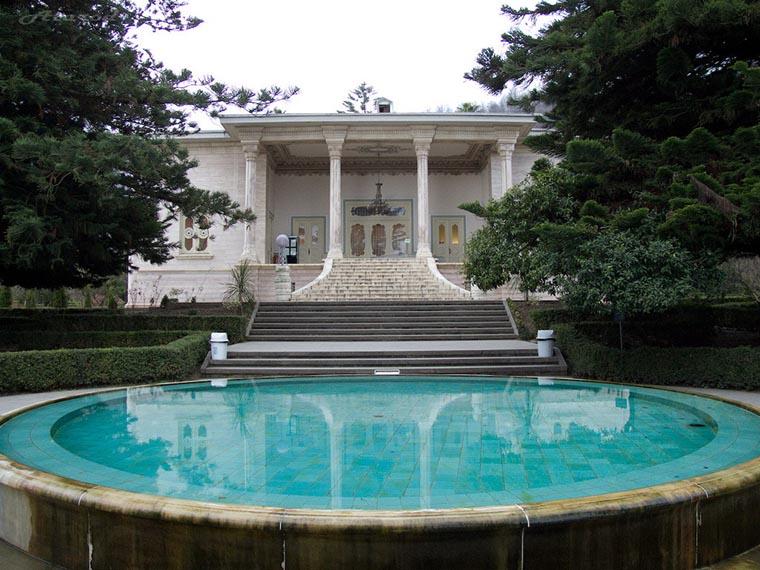 Королевский дворец в Рамсаре