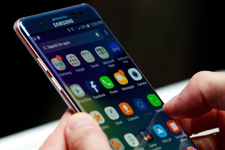 Разбираемся в линейках смартфонов Samsung - дисплей смартфона Samsung