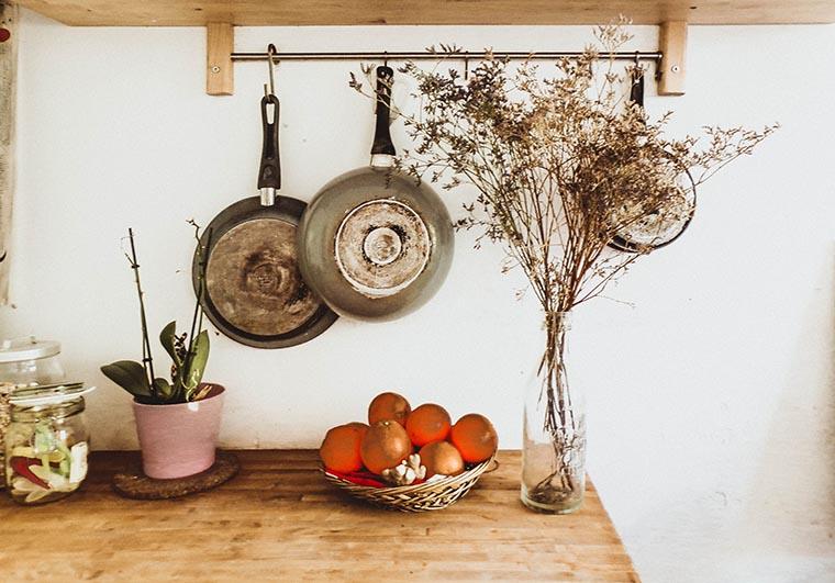 Сковородки на кухне