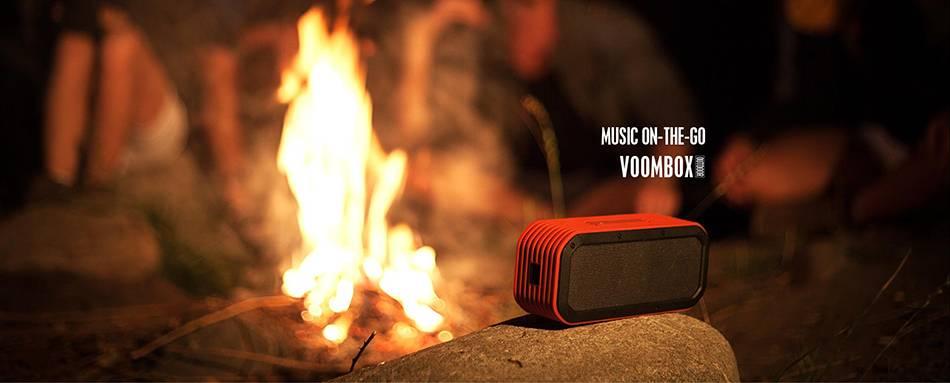 Топ-5 портативной акустики. Берём с собой на летний отдых и не только - divoom около огня