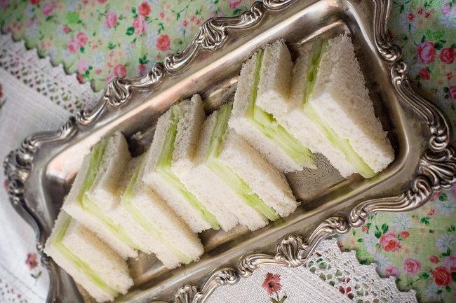 Английский сэндвич-с огурцом подача
