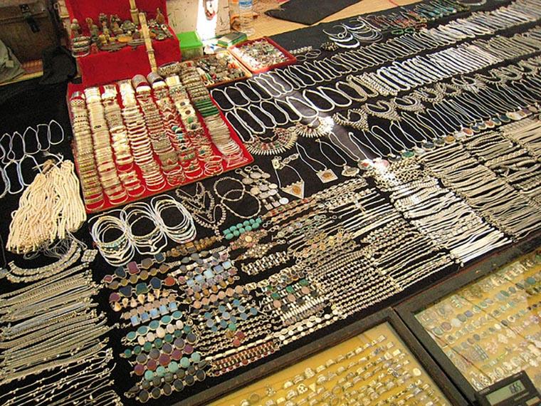 Блошиный рынок в Анджуне