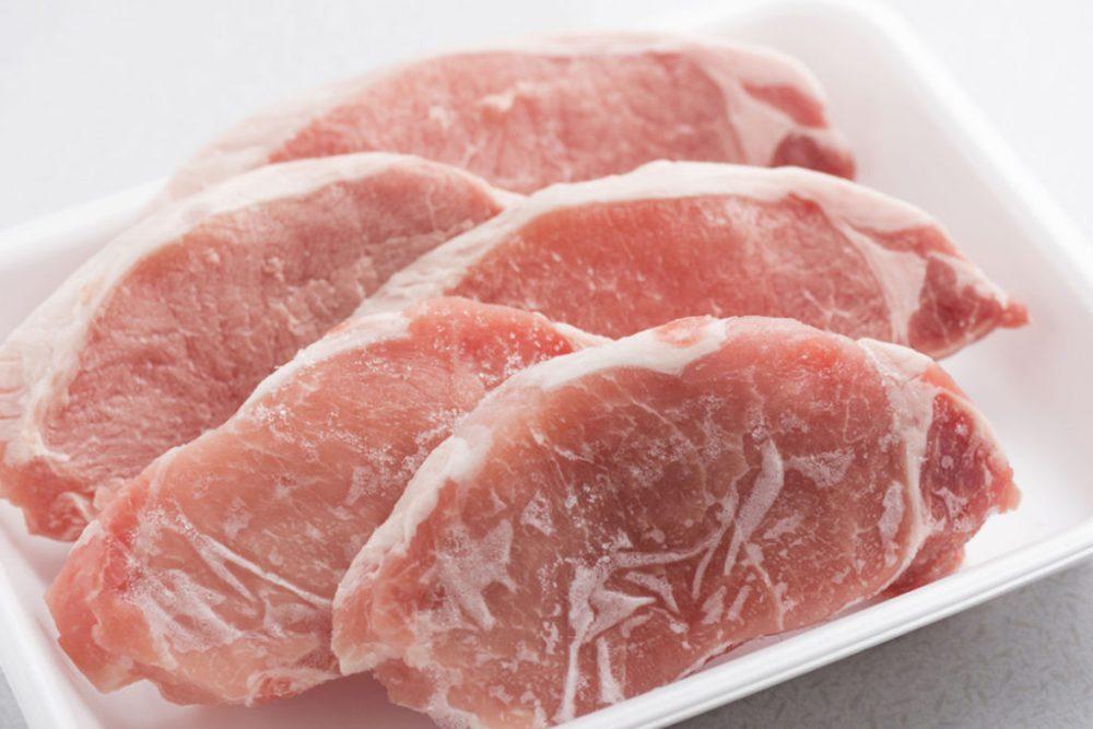 Что можно замораживать в морозильной камере и как это правильно делать - замороженное мясо
