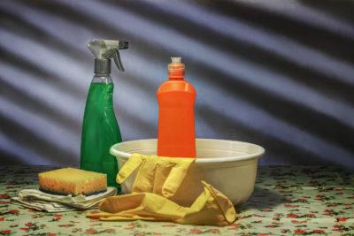 Як почистити духовку: Рукавички при очищенні хімічними складами