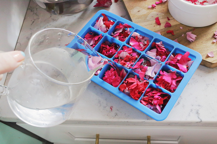 How to make-floral ice cubes