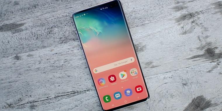 Топ-10 лучших смартфонов 2019_июль_- Samsung galaxy s10+