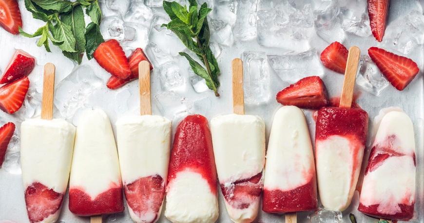 Йогуртовое мороженое-на палочке микс