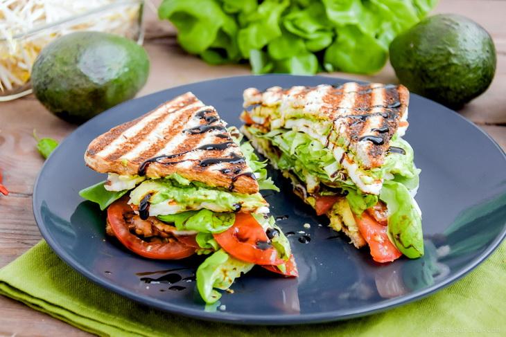 avocado-tomato-sandwich