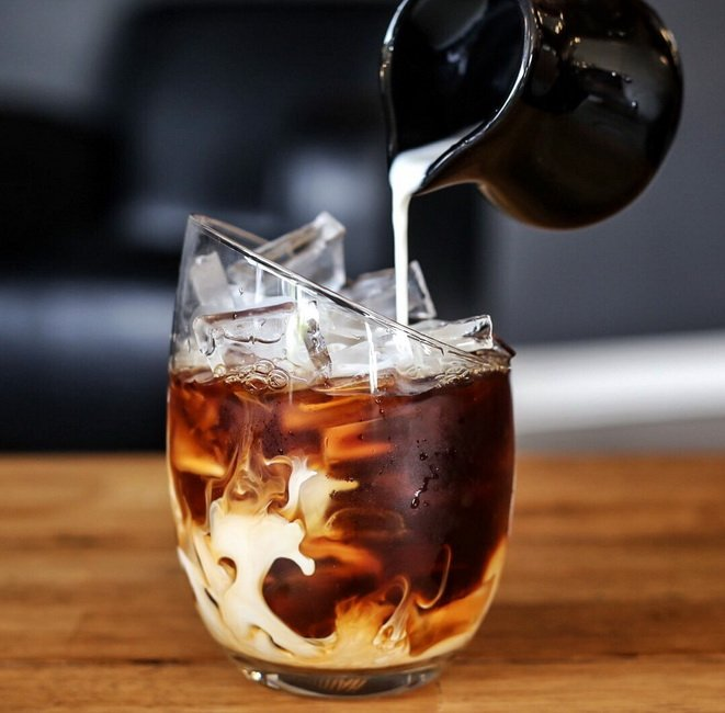 cold brew with milk-coffee