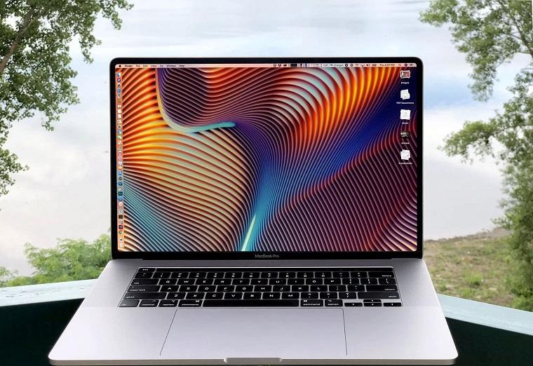новый MacBook Pro с безрамочным экраном 2