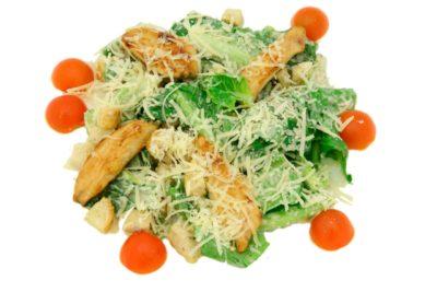 Простий салат Цезар з куркою і сухариками