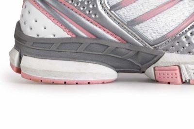 Як вибрати гарні і надійні кросівки