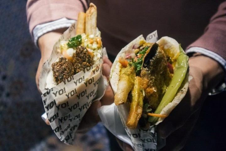 Арепа-уличная еда Венесуэла