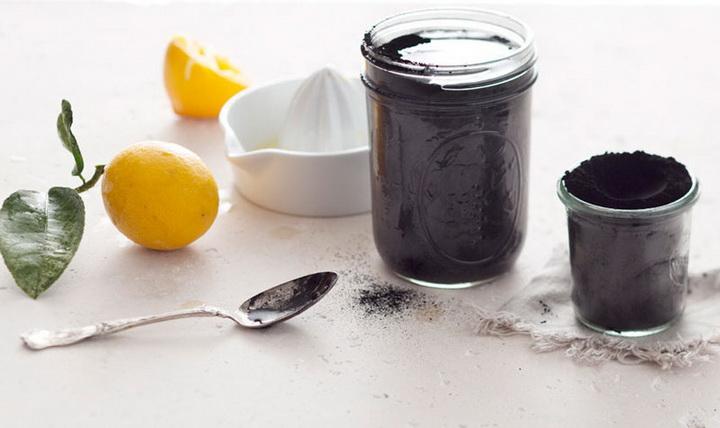 Черный детокс-лимонад