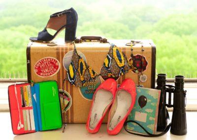 Як компактно скласти речі у валізу