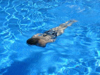 Учимся плавать: Польза для фигуры