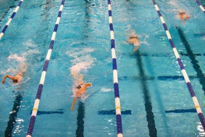Как научиться плавать: Движение в бассейне