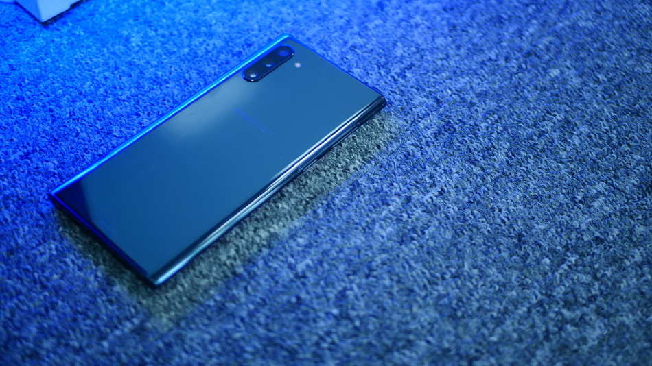 Samsung Galaxy Note 10-как смартфон выглядит