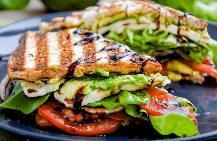 Сэндвич с авокадо-фото 2