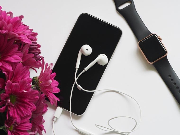 Смартфон и аксессуары
