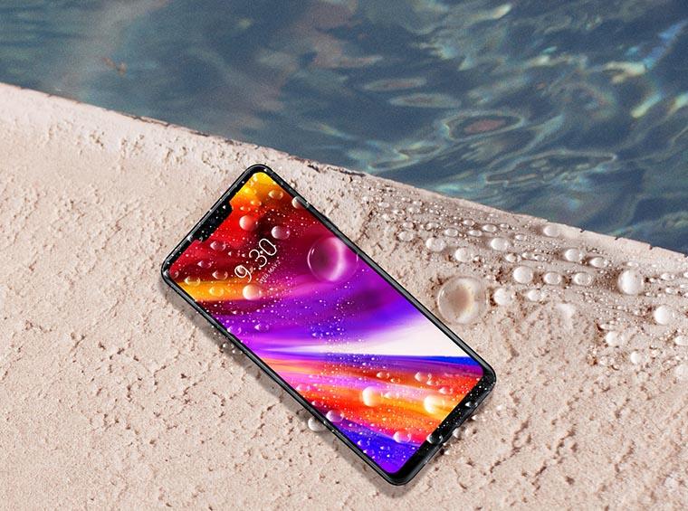 Смартфон из воды