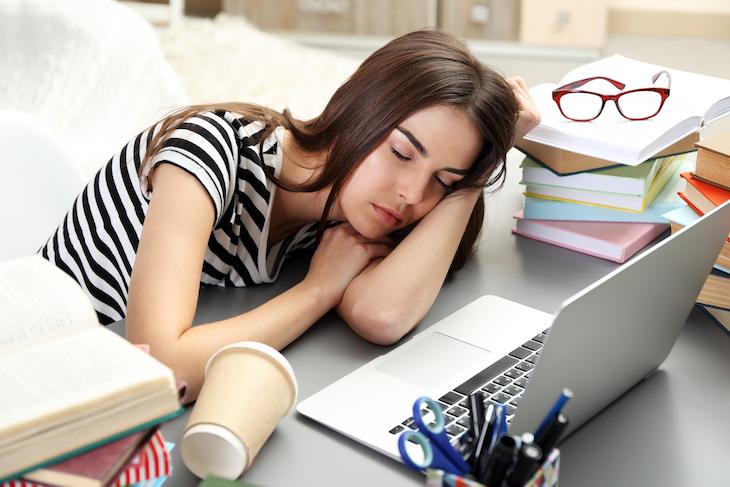 Сон-на рабочем месте