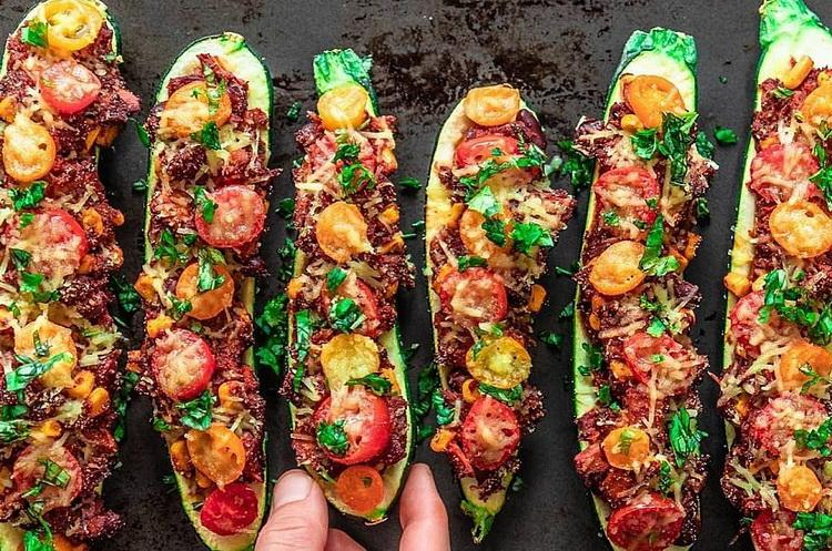 Тушеные кабачки-с овощами