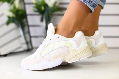 як відіпрати білі кросівки