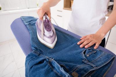 как правильно гладить джинсы