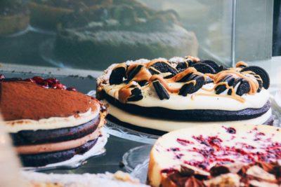 Примеры тортов с бисквитом
